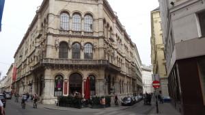 Bild: Cafe Central + Eingang rechts zum Palais Ferstl, Strauchgasse 4