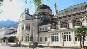 Bild: Kurhaus Meran Wikipedia